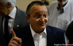 Pedro Taques lidera intenção de votos para o Senado em VG, mas também sofre com rejeição