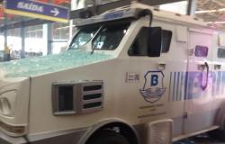 Polícia prende 3 suspeitos de participarem de tentativa de roubo no Atacadão