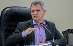 Dilmar afirma que PLC que diminui alíquota de aposentados pode levar a aumento da taxação de demais servidores