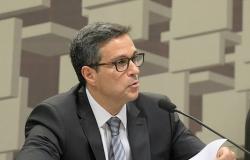 Campos Neto: choque fiscal explica parte da depreciação cambial dos emergentes