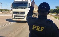PRF fiscalizará rodovias federais durante todo o final de semana e feriado