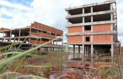 Governo divulga empresa responsável pela retomada das obras do hospital Júlio Müller