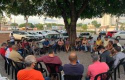 Em reunião interna, 10 membros do partido de Gisela votam por apoio a Abilio e 5 a Emanuel