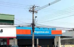 Bandidos fazem família de gerente refém para roubar celulares de loja em Cuiabá