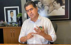 """Emanuel critica apoio de Gisela a Abílio e cita encenação: """"Foi um tapa na cara das mulheres"""""""