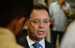 Botelho retorna ao parlamento, agradece João Batista e confirma três sessões em um único dia