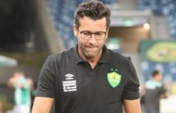Cuiabá demite técnico após 1º jogo na série A com empate em 2 a 2
