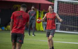 Filipe Luis mostra tranquilidade com renovação no Flamengo