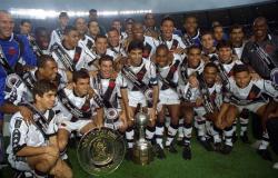 Justiça determina penhora do troféu da Libertadores de 1998