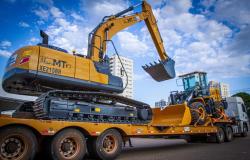 Máquinas doadas pelo Governo de MT começam a chegar no interior do estado