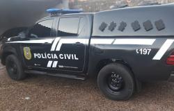 Jovem é preso acusado de invadir e roubar casa de policial penal