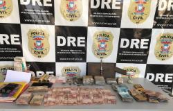 Polícia Civil prende traficante na Capital com maconha, cocaína e R$ 4,2 mil em dinheiro