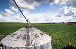 Agricultores investem em complexos de armazenagem