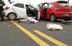 Acidente deixa duas pessoas mortas e cinco feridos na MT-010
