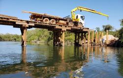 Reconstrução de ponte segue em ritmo acelerado e tráfego de veículo leves é liberado