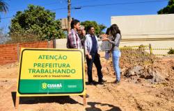 Emanuel vistoria obras nos bairros São João Del Rey e Jardim Passaredo
