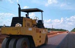 Obras avançam em Gaúcha do Norte com aplicação de capa asfáltica na MT-129