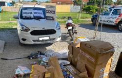 Suspeitos são detidos logo depois de roubar carro no bairro Boa Esperança
