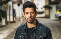 João Vicente de Castro faz homenagem emocionada a Paulo Gustavo, que está internado