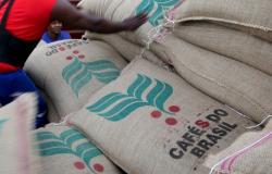 Exportação de café do Brasil cresce 30% em março