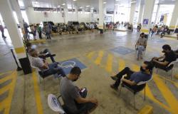 Servidores devem fazer nova consulta para conseguir agendamento de vacinação em Cuiabá