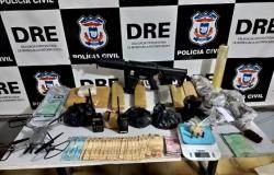 Dupla faccionada é presa com drogas, armas e dinheiro em Cuiabá