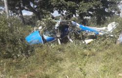 Avião cai no pantanal e deixa empresário e mecânico feridos