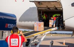 Mato Grosso recebe mais de 96 mil doses de AstraZeneca e Pfizer nesta 4ª