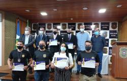 Policiais civis da Central de Flagrantes de VG são homenageados pela Câmara Municipal