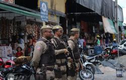 14º BATALHÃO DA POLÍCIA MILITAR REFORÇA POLICIAMENTO PARA O PERÍODO DAS FESTAS DE FIM DE ANO