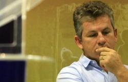 Governador sofre acidente doméstico e passa por cirurgia em hospital em Cuiabá