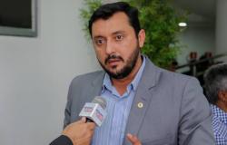 Secretário descarta participação em esquema para queimar prefeito