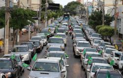 Milhares tomam avenidas de Cuiabá em manifestação de apoio a Bolsonaro