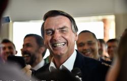 Bolsonaro autoriza suspensão de contratos de trabalho e salários por quatro meses