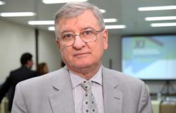 Juiz manda Emanuel manter 30% de ônibus em Cuiabá para uso geral