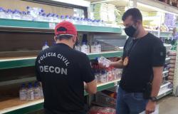 Polícia e Procon fiscalizam prática de preços abusivos em supermercado atacadista da Capital