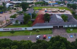 Justiça suspende cessão de veículo e bloqueia bens de prefeito e vereador
