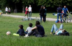 França abrirá bares e praias em segunda fase de flexibilização