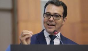 Projeto na AL tenta sustar decreto que abre comércio e ameniza isolamento em MT