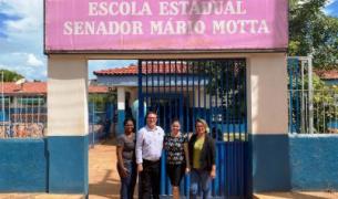 Deputado cobra investimentos a 24 escolas estaduais da região oeste