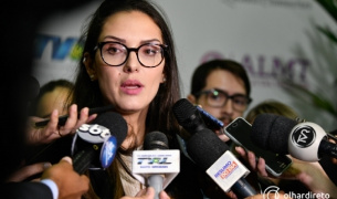 Tribunal retoma julgamento que pode cassar Janaina Riva; relator já votou contra perda do cargo
