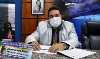 Dr.Dhener indica revitalização de praça no bairro São José com instalação de academia ao ar livre