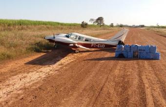 Policiais de MT apreendem 420 kg de cocaína da Bolívia em aeronave.