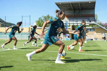 Tempo real: Brasil e Jamaica estreiam na Copa do Mundo feminina