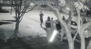 Imagens de uma câmera de vigilância registraram o momento do crime – (Foto: Reprodução)
