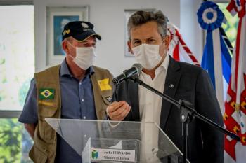 O governador Mauro Mendes, ao lado do ministro da Defesa, general Fernando Azevedo e Silva - Foto por: Christiano Antonucci