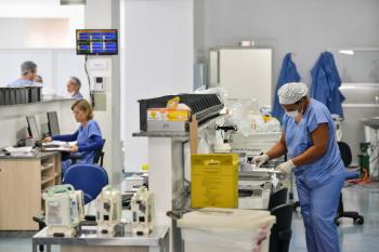 As novas contratações reforçarão os quadros de servidores dos hospitais regionais de Rondonópolis, Cáceres, Sinop, Sorriso, Alta Floresta e Colíder, Hospital Estadual Santa Casa e no Hospital Metropolitano - Foto por: Secom-MT