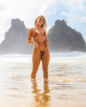 Luísa Sonza leva web à loucura ao publicar fotos de biquíni