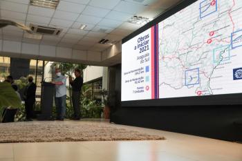 Governador anuncia projetos para mais de mil km de asfalto novo e 51 novas pontes - Foto por: Secom-MT