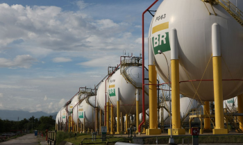 Esses custos são definidos por tarifas reguladas pela Agência Nacional do Petróleo, Gás Natural e Biocombustíveis (ANP).               Foto: André Motta de Souza/Petrobrás